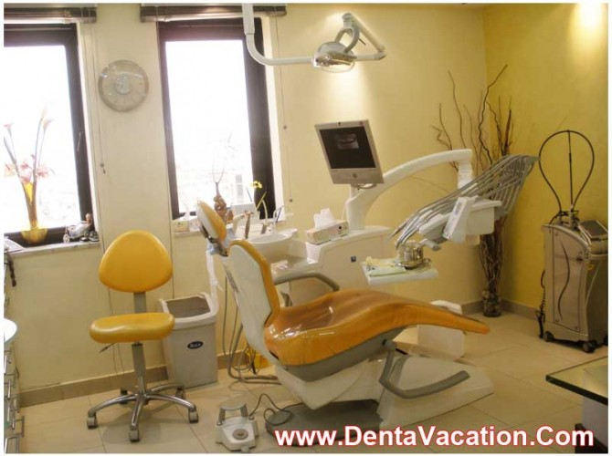 Dental Care Center in a Hospital - New Delhi - India